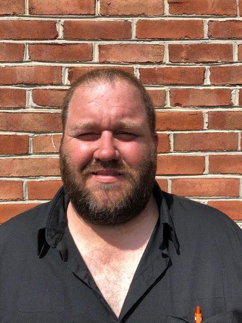 Dean Lester auto mechanic